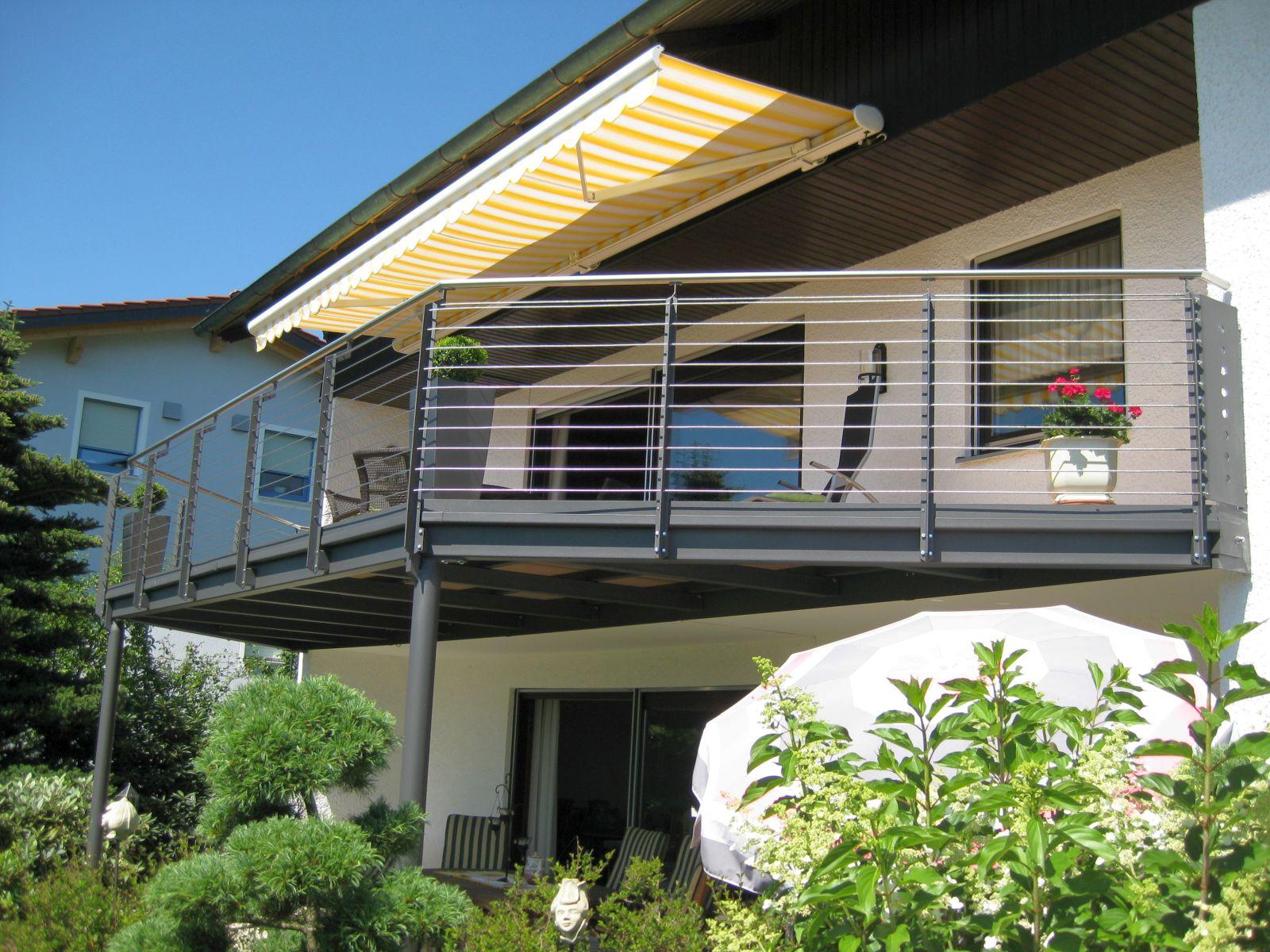 balkone und balkongel nder von kirchberger metallbau. Black Bedroom Furniture Sets. Home Design Ideas
