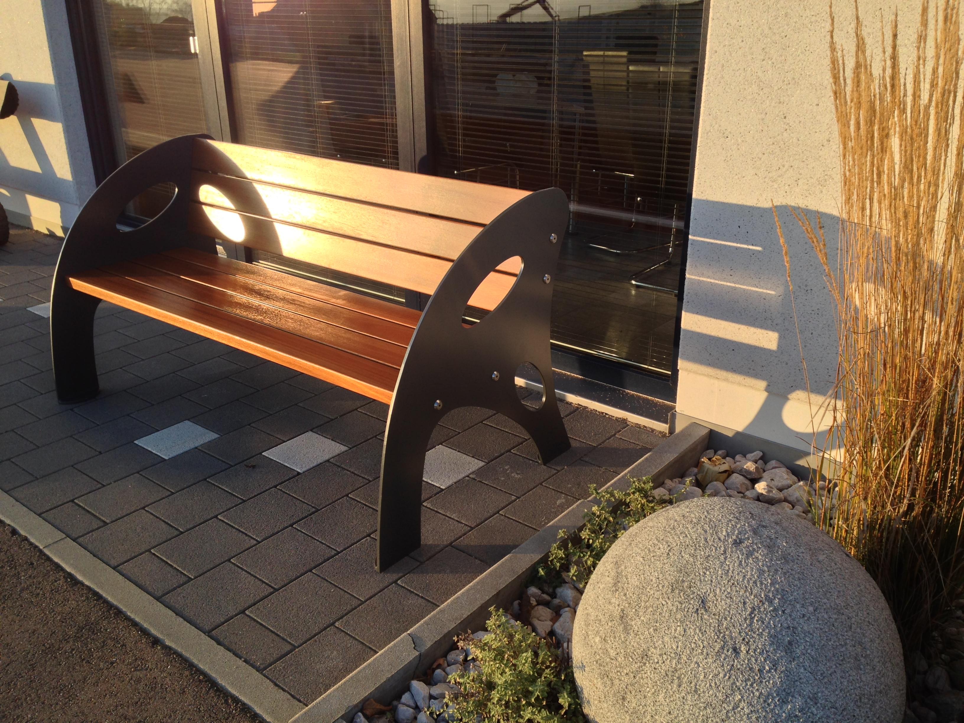 Gartenbank modern edelstahl  Gartenbank-Modell-Ellipse
